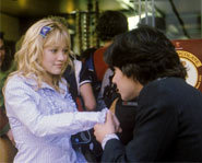 Hilary Duff plays Lizzie McGuire in The Lizzie McGuire Movie.