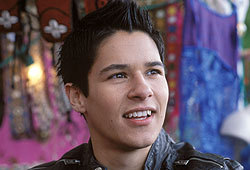 Oliver James plays Ian Wallace in What a Girl Wants.