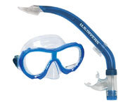 Picture of a snorkel and mask for kids.