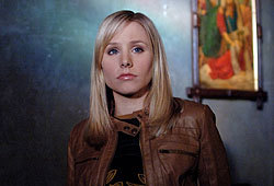 Kristen Bell stars in the CW drama, Veronica Mars.