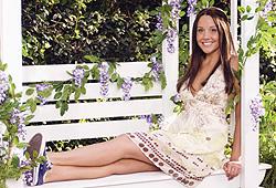Amanda Bynes stars in the modern fairy tale Sydney White.