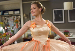 Katherine Heigl stars in 27 Dresses.