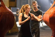 Shailene Woodley and Theo James in Divergent