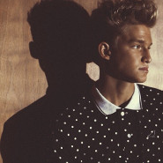 Cody Simpson: Pretty Brown Eyes Vid!