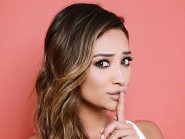 Shay Mitchell Dishes on PLL Finale